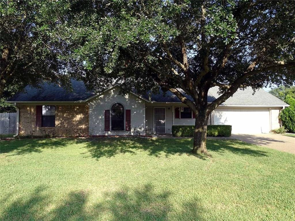 220 Colonial Circle, Athens, TX 75751