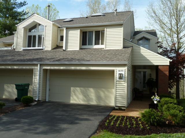 1870 Ridgeview Circle Drive, Ballwin, MO 63021