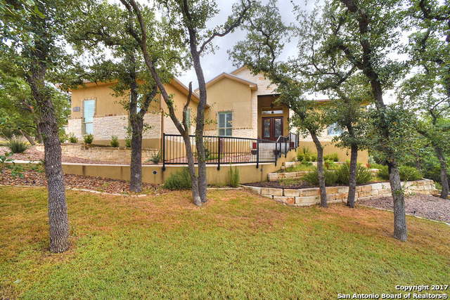 953 Moonlight Dr, Canyon Lake, TX 78133