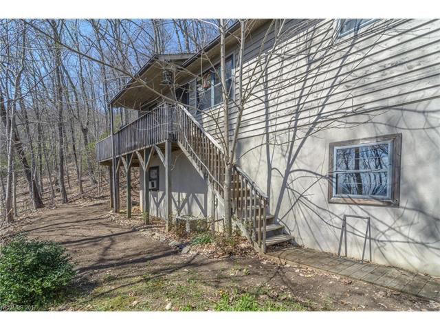 372 Flat Top Mountain Road, Fairview, NC 28730