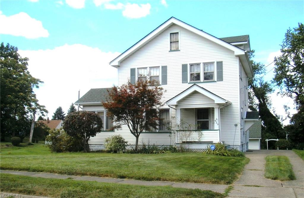 429 Maplewood Ave, Struthers, OH 44471