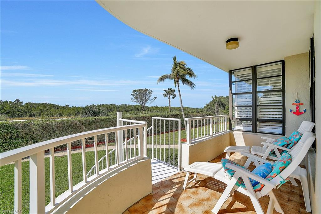 440 Seaview CT 111, MARCO ISLAND, FL 34145