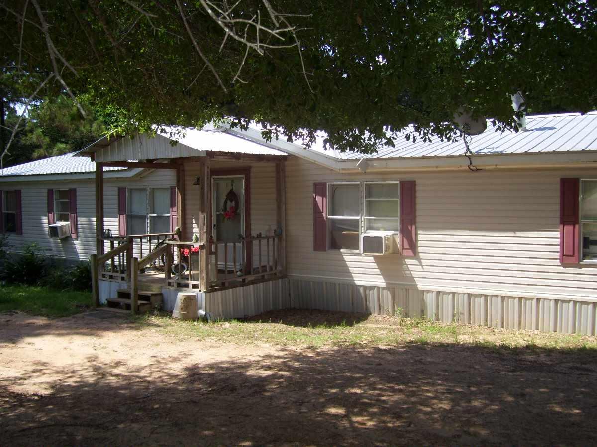 1803 FM 138, Center, TX 75935