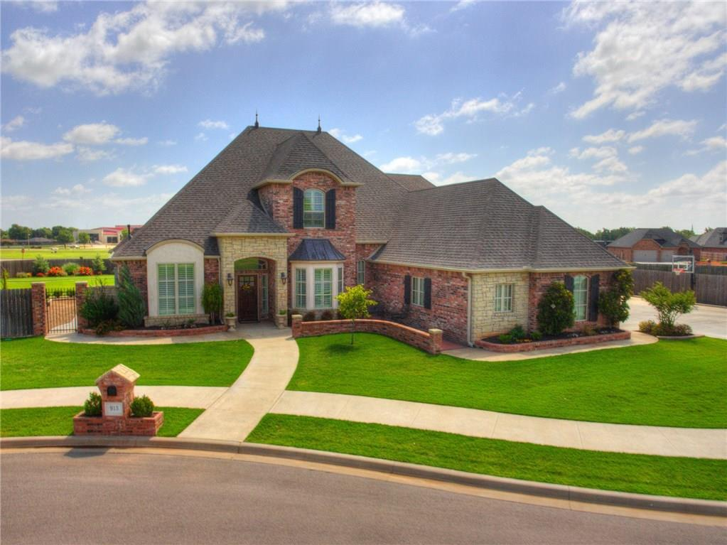 913 Stonebridge, Weatherford, OK 73096