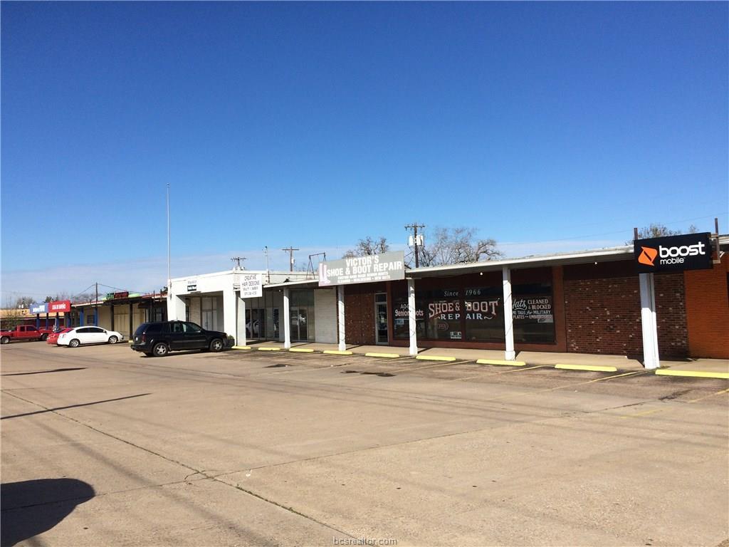 3511 S Texas 6, Bryan, TX 77802