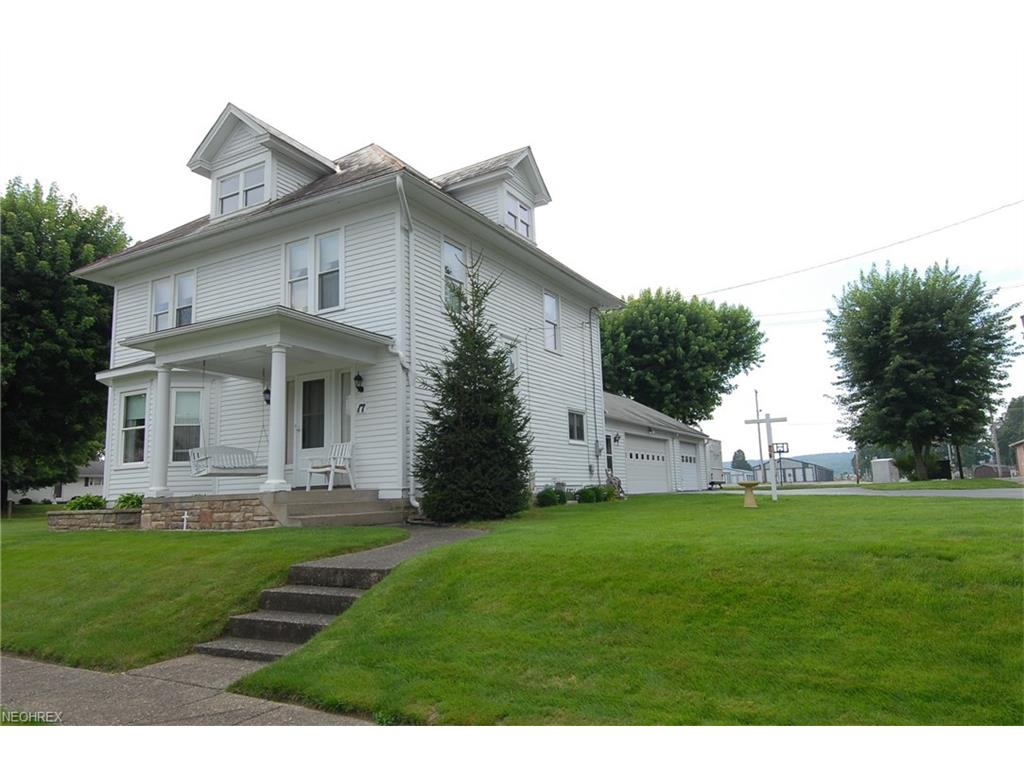 17 E 10th St, Dresden, OH 43821