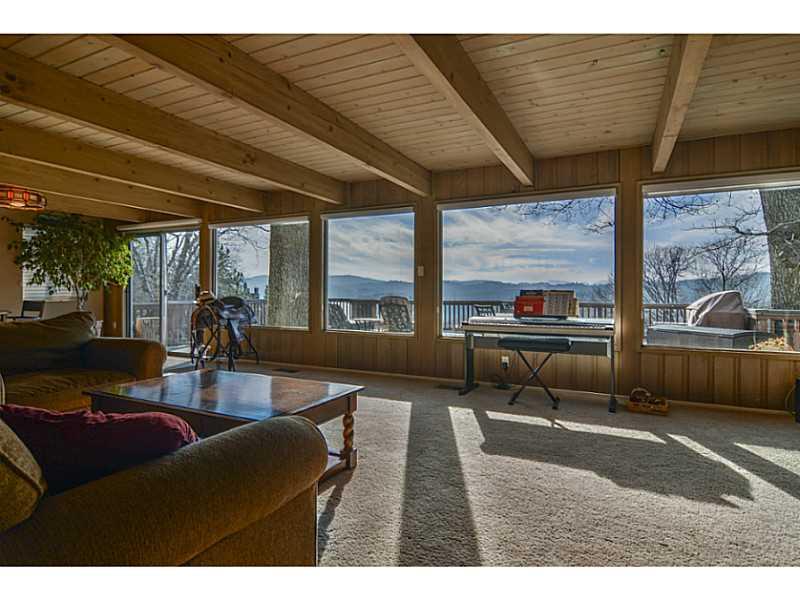 945 N HOSPITAL ROAD, Lake Arrowhead, CA 92352