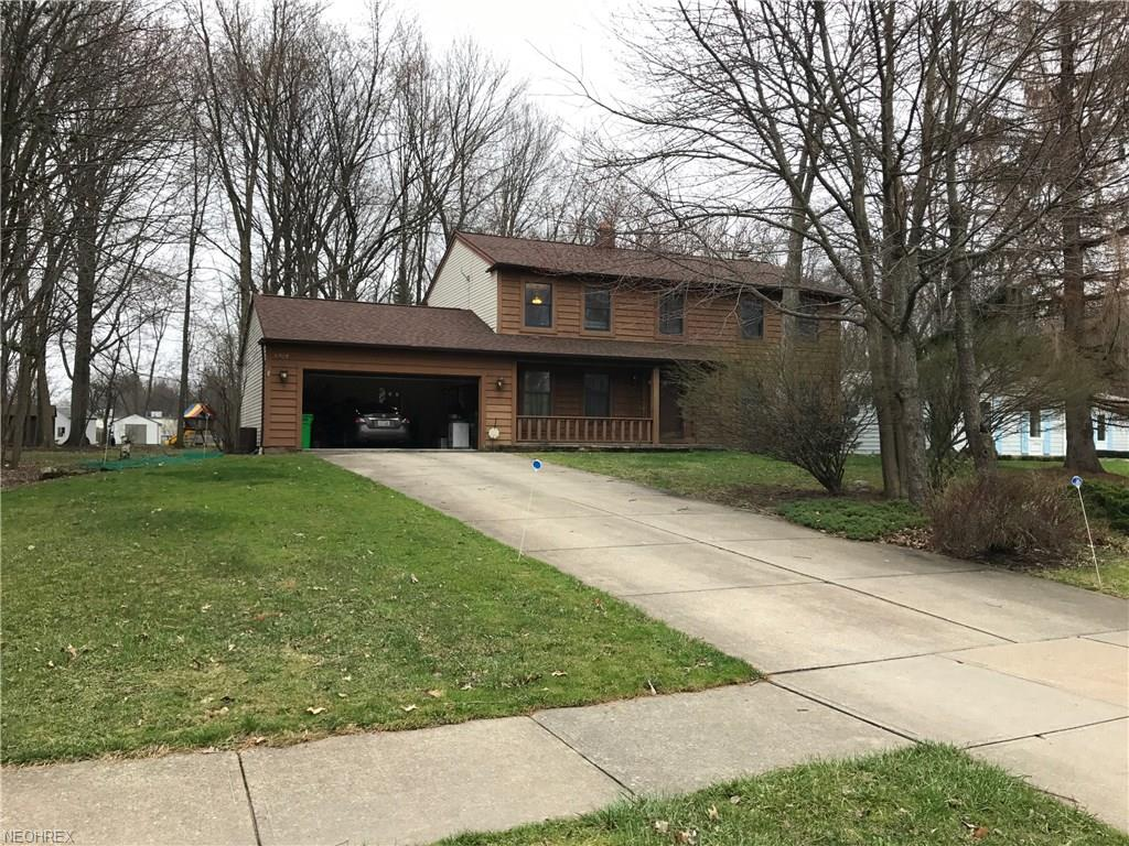 6108 Whiteford Dr, Highland Heights, OH 44143