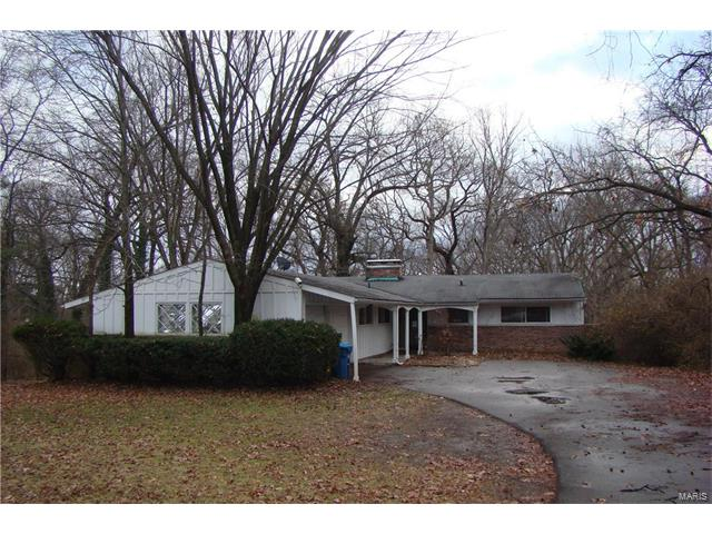 13818 Clayton Road, Town and Country, MO 63017
