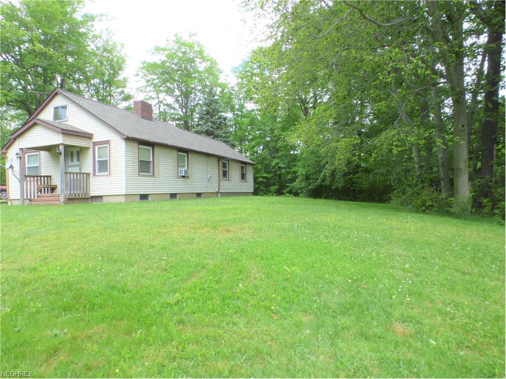 8766 Williams Rd, Chardon, OH 44024