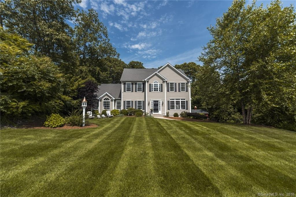 7 Fawn Hollow Drive, Seymour, CT 06483