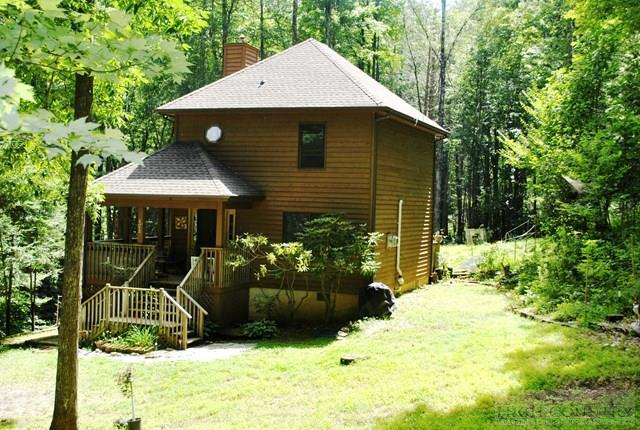 423 Little Creekside Road, Banner Elk, NC 28604