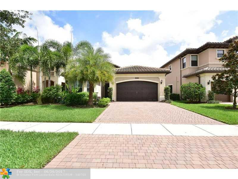 8218 Lawson Bridge Ln, Delray Beach, FL 33446