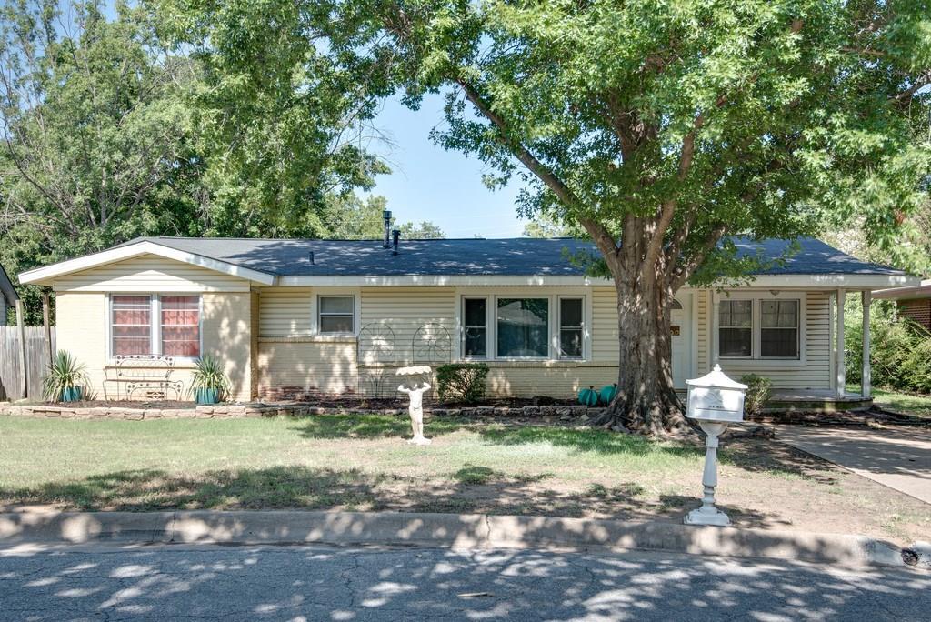 14 Dorothy Lane, Hurst, TX 76053