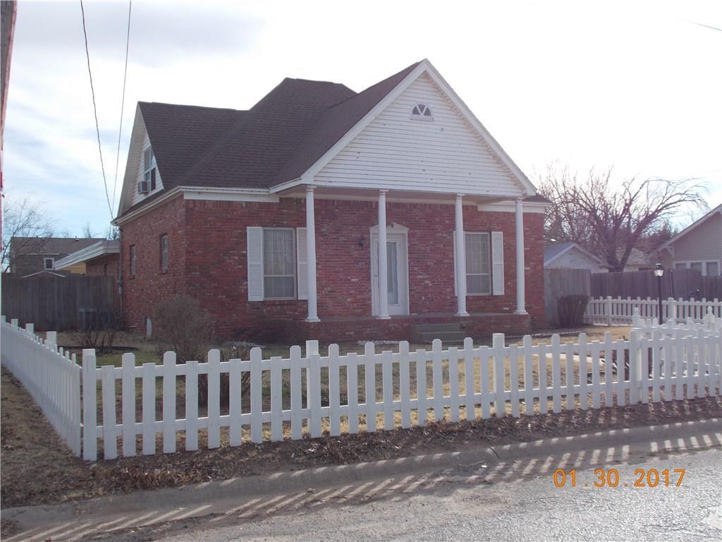 130 W Tyler Street, Mangum, OK 73554