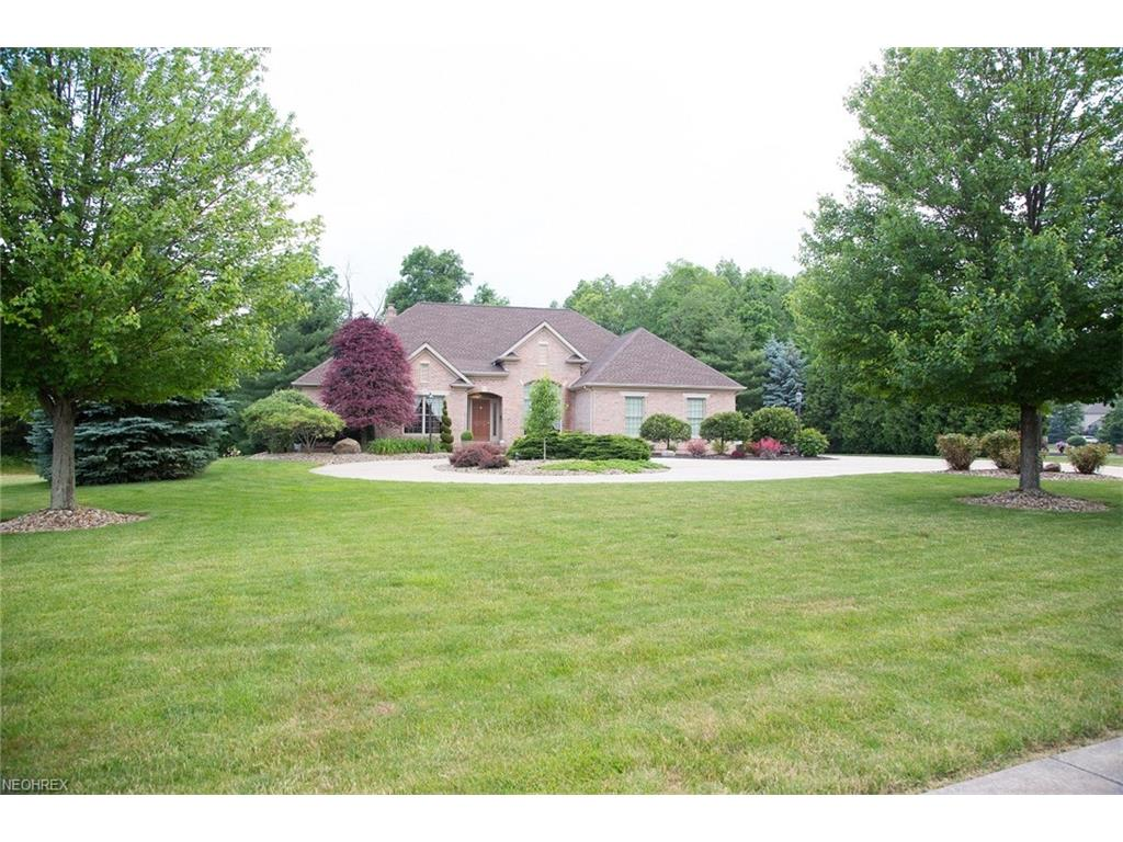3645 Villa Rosa Dr, Canfield, OH 44406