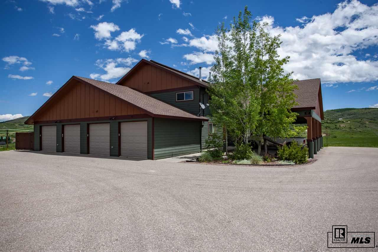 127 Oak Ridge Cir #103, Oak Creek, CO 80467