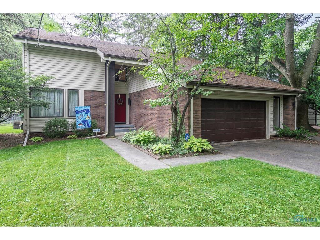 2740 Talmadge Road, Ottawa Hills, OH 43606