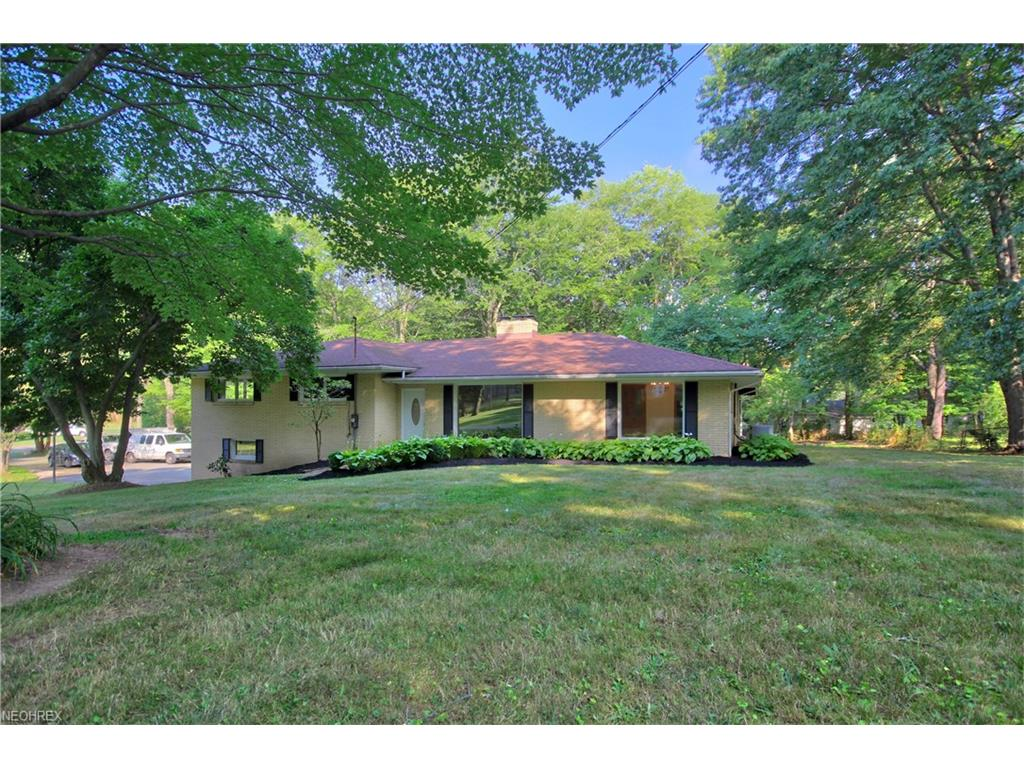 695 Northwood Dr, Uniontown, OH 44685