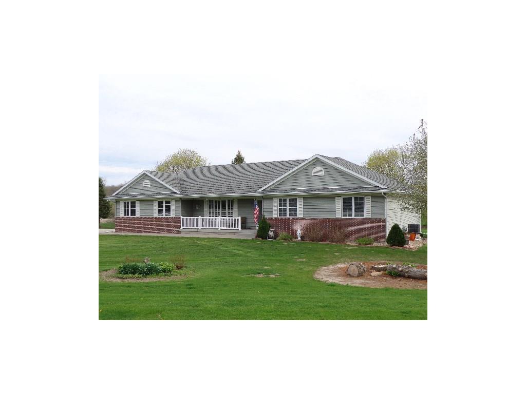 9100 Deer Valley Drive NE, Cedar Rapids, IA 52411