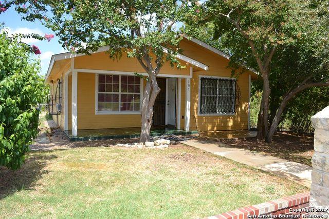 307 NW 25th St, San Antonio, TX 78207
