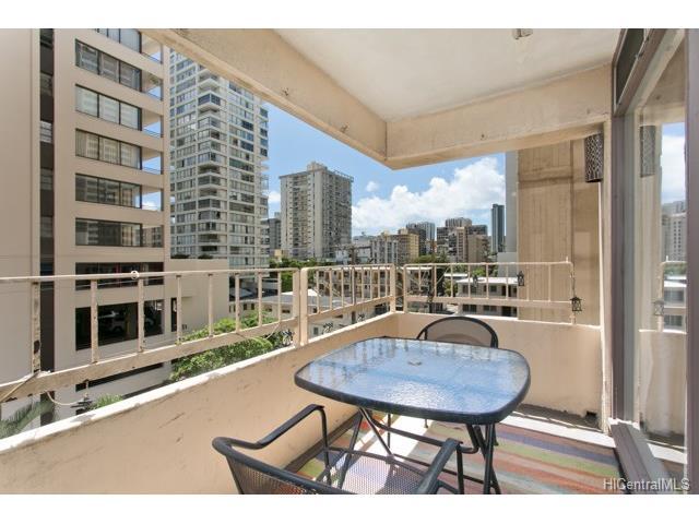 225 Kaiulani Avenue 406, Honolulu, HI 96815