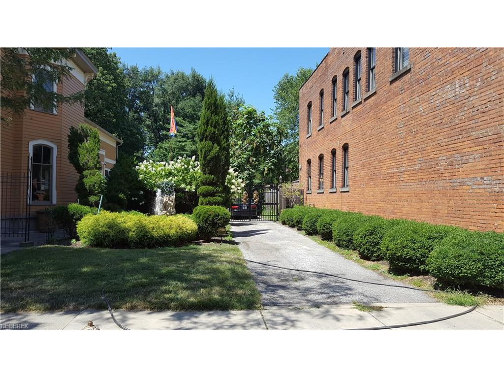 1760 Fulton Rd, Cleveland, OH 44113