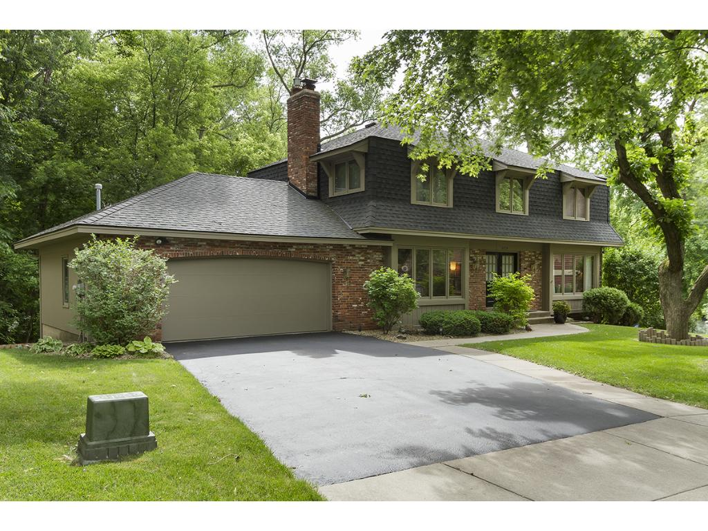 2809 Crater Court, Burnsville, MN 55337