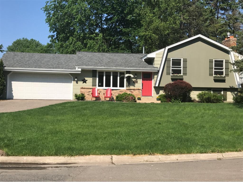 9917 Brookside Circle, Bloomington, MN 55431