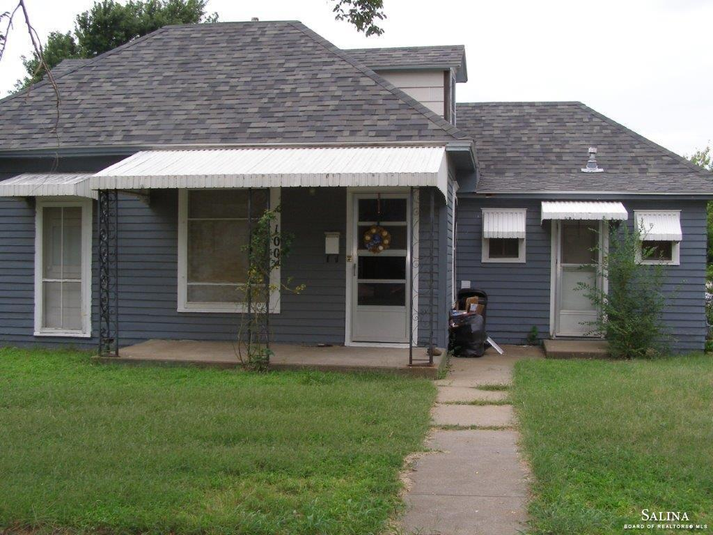1004 State Street, Ellsworth, KS 67439