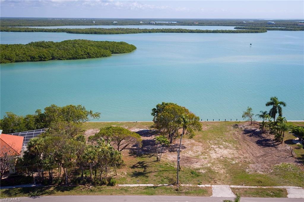 941 Caxambas, MARCO ISLAND, FL 34145