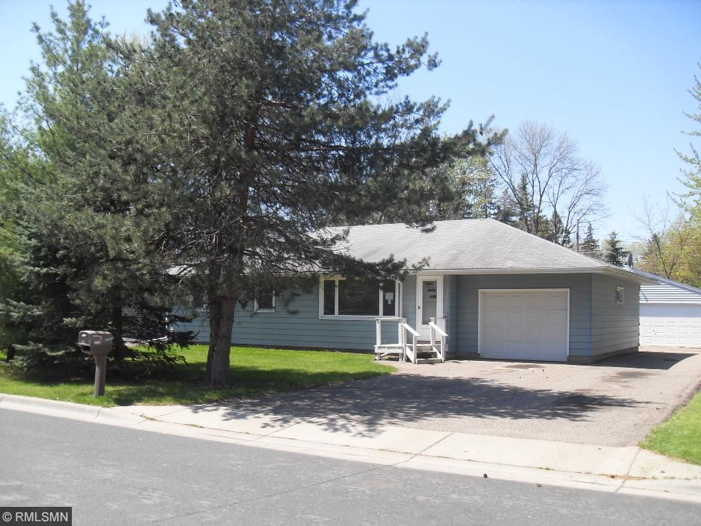 1612 Oak Street, Hastings, MN 55033