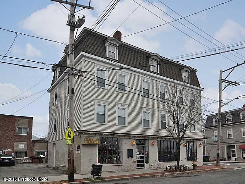 424 WICKENDEN ST, East Side of Prov, RI 02906