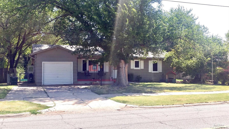 1913 Roach Street, Salina, KS 67401