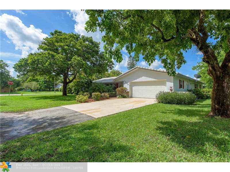 3502 NW 82nd Dr, Coral Springs, FL 33065