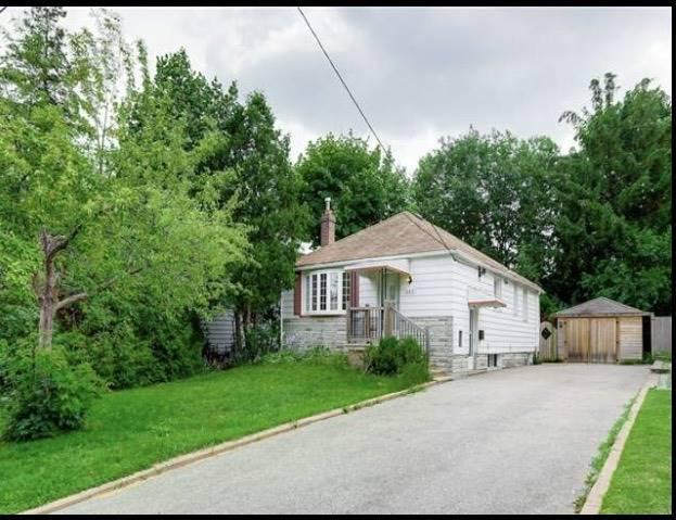 107 Elmhurst Ave, Toronto, ON M2N 1R7