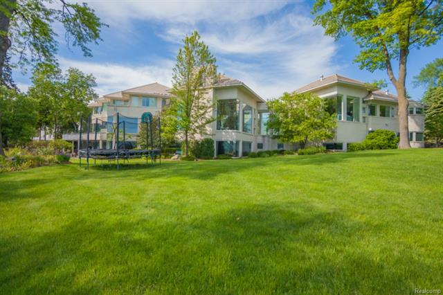 4851 OLD ORCHARD TRL, Orchard Lake, MI 48324