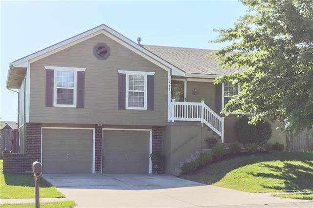 513 Montana Ridge Drive, Grain Valley, MO 64029
