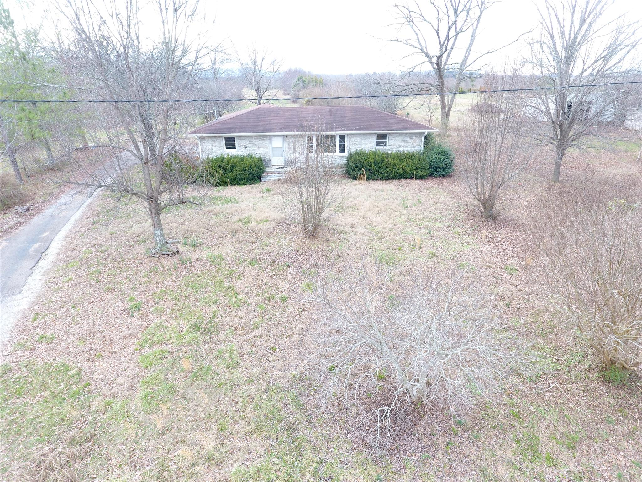16823 David Crockett Pkwy W, Huntland, TN 37345