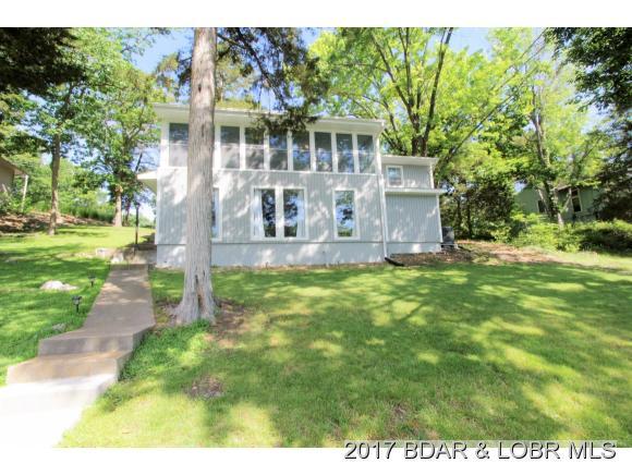 380 Maple Rd, Lake Ozark, MO 65049