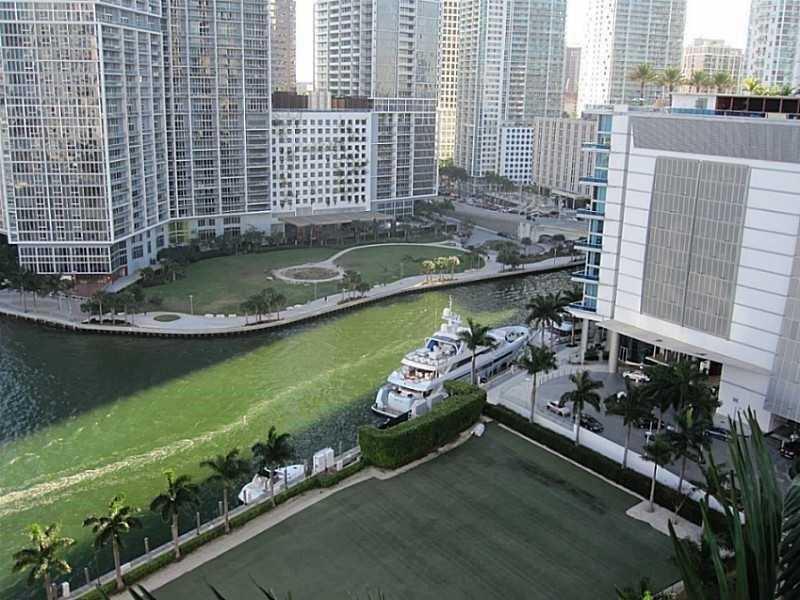 300 S Biscayne Blvd T-2401, Miami, FL 33131