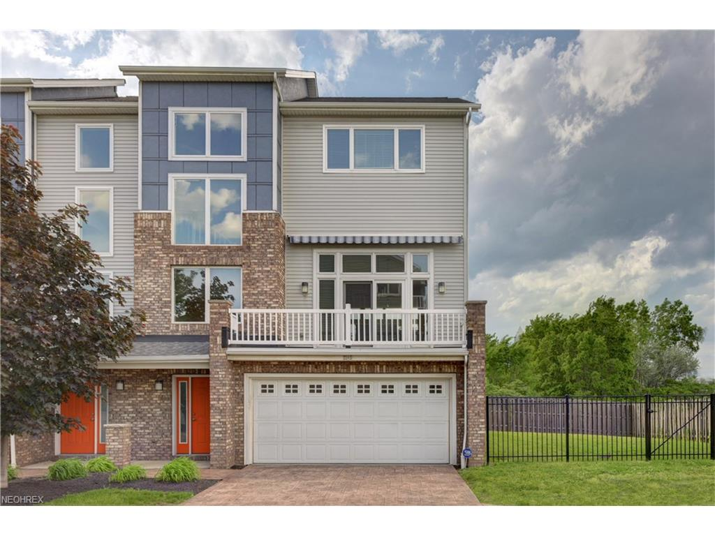 2245 City View Dr, Cleveland, OH 44113