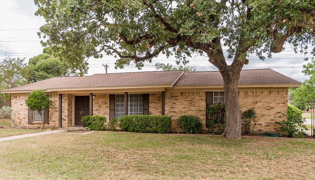 600 Tumbleweed Drive, Hurst, TX 76054