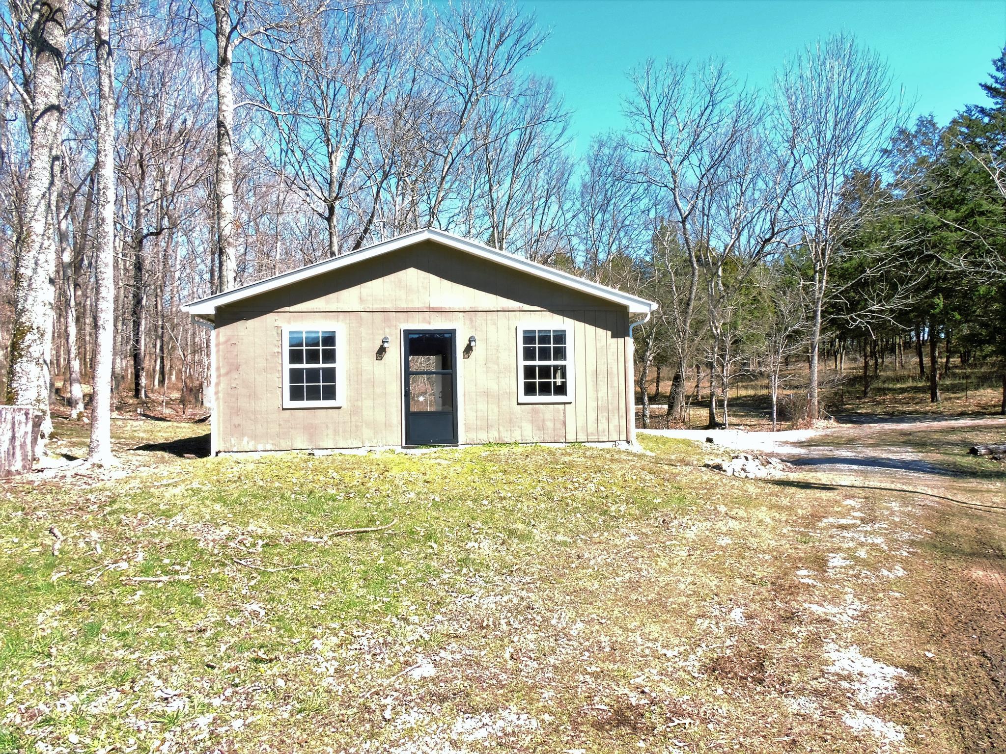 4 Gaither Ridge Ln, Auburntown, TN 37016