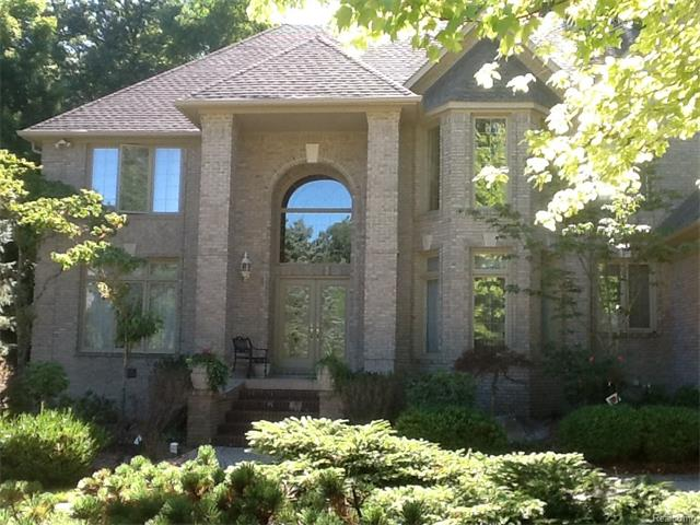 1530 SCENIC HOLLOW, Rochester Hills, MI 48306