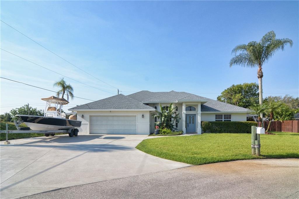 412 NE Julia CT, Jensen Beach, FL 34957