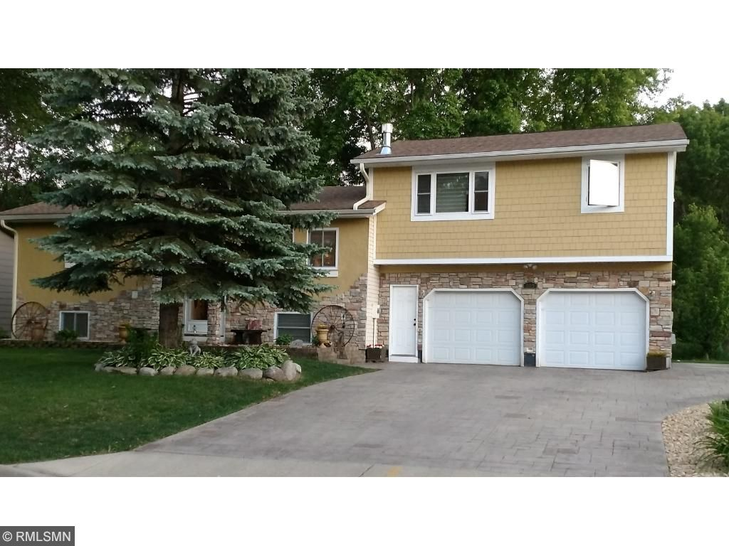 305 4th Street SW, Norwood Young America, MN 55397