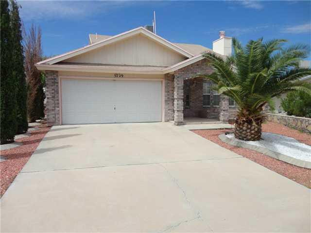 5729 Green Castle Road, El Paso, TX 79932