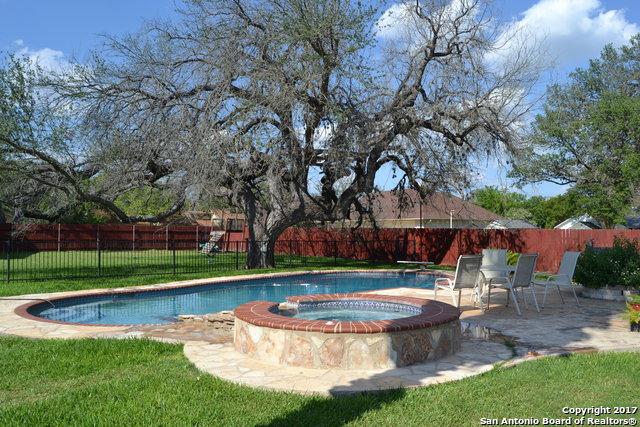 1311 Kollman Dr, Hondo, TX 78861