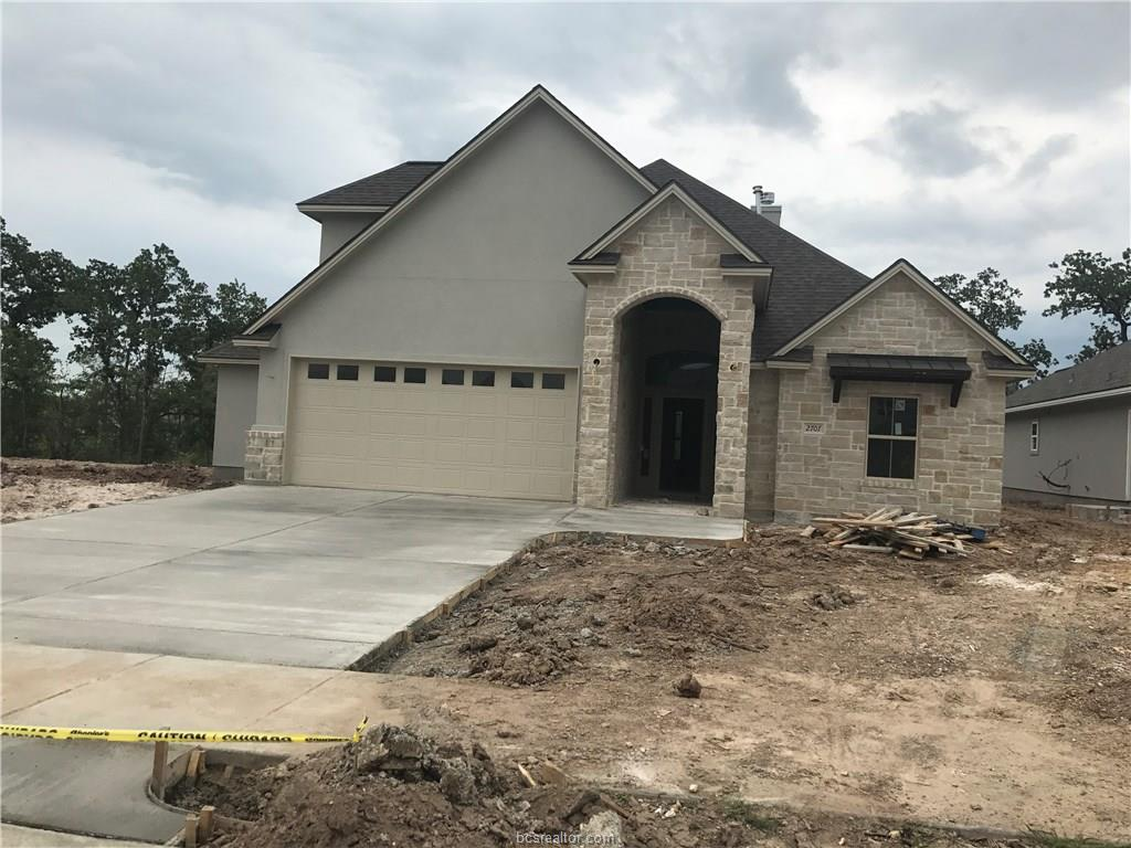 2707 Wolveshire, College Station, TX 77845